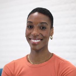 Kez Anderson, a presenter of Confidence Building Training